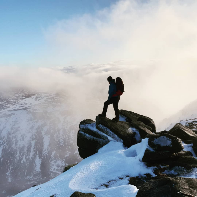 Heroic looking pose by @lochaberguides! Scottish winter weather does *sometimes* break for stunning scenery, but don't hold your breath 😂 #guidebase