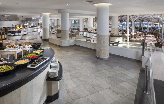 Todo preparado para nuestros clientes hambrientos. #SolByMelia  #Lanzarotepic.twitter.com/87z64AlxrS