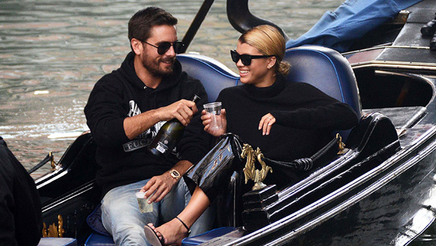 Scott Disick & Sofia Richie enjoyed a decadent Valentine's Day with each other. http://hollywood.li/vup9qtVpic.twitter.com/ca1miTcYro