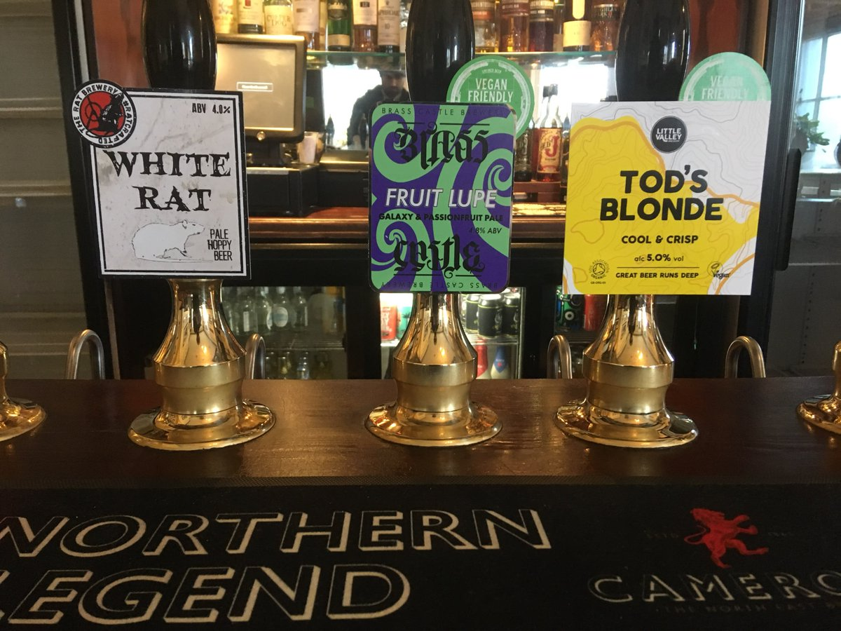 Cheeky afternoon pint?   #headofsteamhuddersfield #whiterat #brasscastle #littlevalley #headofsteam #realale https://t.co/J1covujOom
