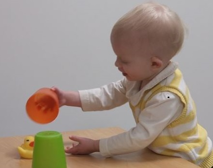 Please help our colleagues at the Oxford Babylab by completing an online questionnaire on autism and early thinking skills for children under 2.5 years of age! (eligibility: an immediate family member must have a diagnosis of autism)  https://tinyurl.com/y5vwlvlopic.twitter.com/CCDfTROXue