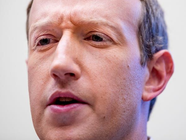 Mark Zuckerberg says good regulation will damage Facebook's business but he wants it anyway http://bit.ly/37xVYWypic.twitter.com/dx54cByxPF