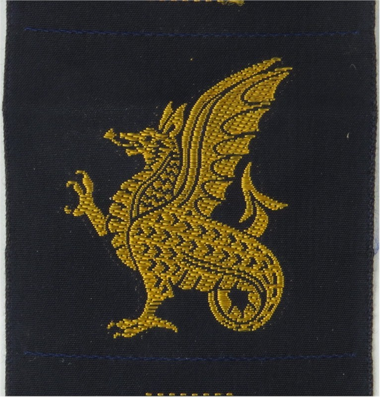 South West District (Yellow Wyvern On Blue)   Woven Military Formation arm badge  £4.00 https://www.kellybadges.co.uk/unit-arm-badges-formation-signs/15039-south-west-district-yellow-wyvern-on-blue---woven-military-formation-arm-badge.html …pic.twitter.com/pAG31EDElY