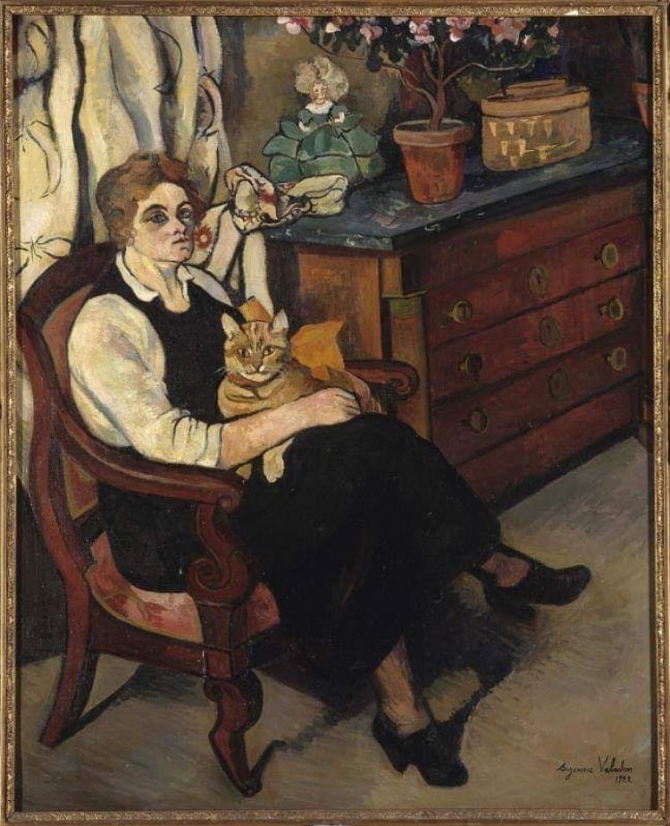 Garsonluk,akrobatlık,ressamlara modellik yaparak ekmeğini kazanan Suzanne Valadon,19.yy sanat ortamında nü portreler yapan öncü bir kadın ressam olacaktır.Dünya Kediler Gününde kendisinin Miss Lily Walton adlı portresini sizinle paylaşmak istedim #suzannevaladon #dünyakedilergünü