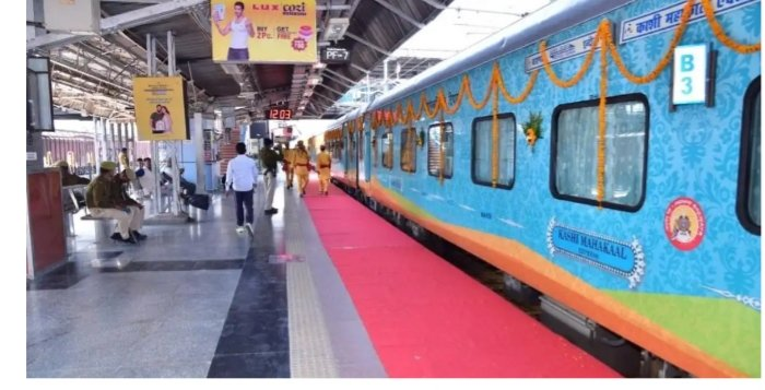 @pmo Cheap gimmicks 2 earn public sympathy, if suggested , wud boomerang very soon.  Rail mantralaya sud better b equipped with modern facility than exploiting d sentiments of Hindus by adorning  B5 with a mini Sivalaya.  Delhi Election sud b looked into. pic.twitter.com/142ySJ6XaC