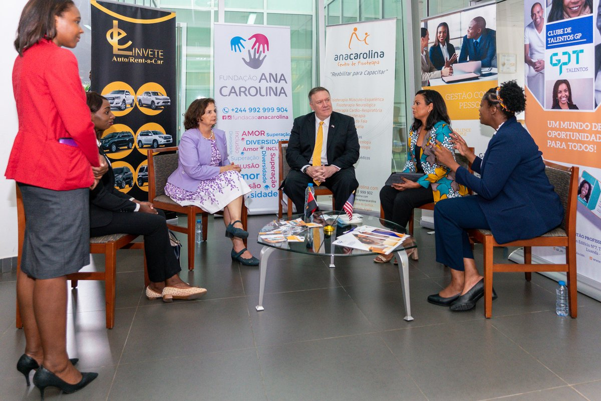 Started my visit to #Angola with an inspiring discussion with local business owners. These dynamic women entrepreneurs are creating jobs and economic opportunities in their communities. Amazing.