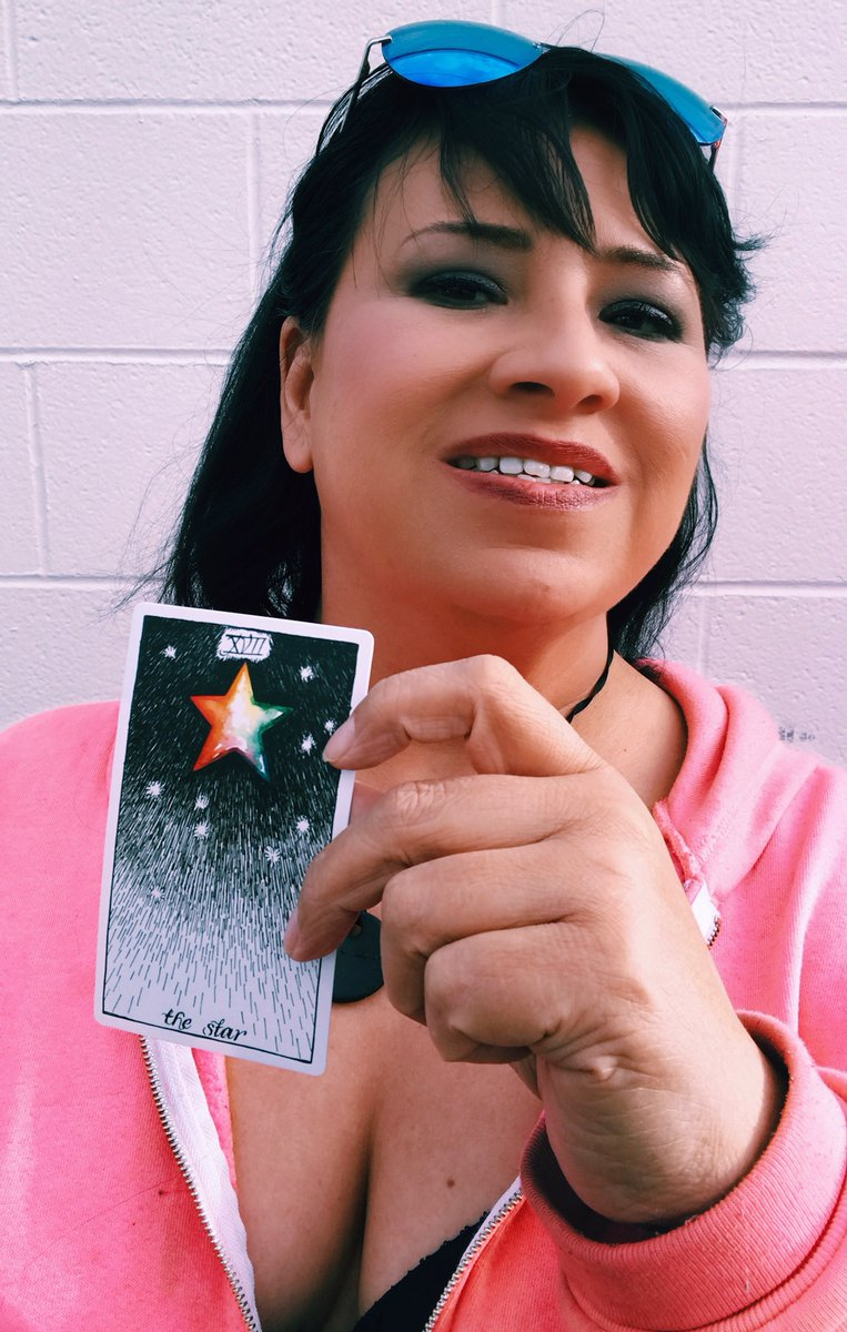 Delving Into the #Tarot  - The Star card- #Tarotology  http://bit.ly/2G3uCfw  #energy #tarot #tarotcards pic.twitter.com/dozWo29pFx