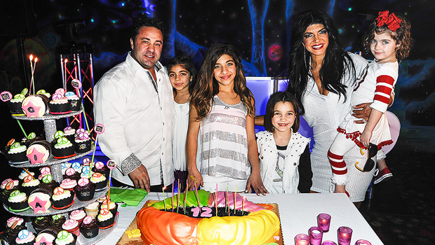 EXCLUSIVE: Why Teresa Giudice's four daughters aren't planning on visiting their father in Italy anytime soon. http://hollywood.li/DtlTXO5pic.twitter.com/5w7fKs6vrM