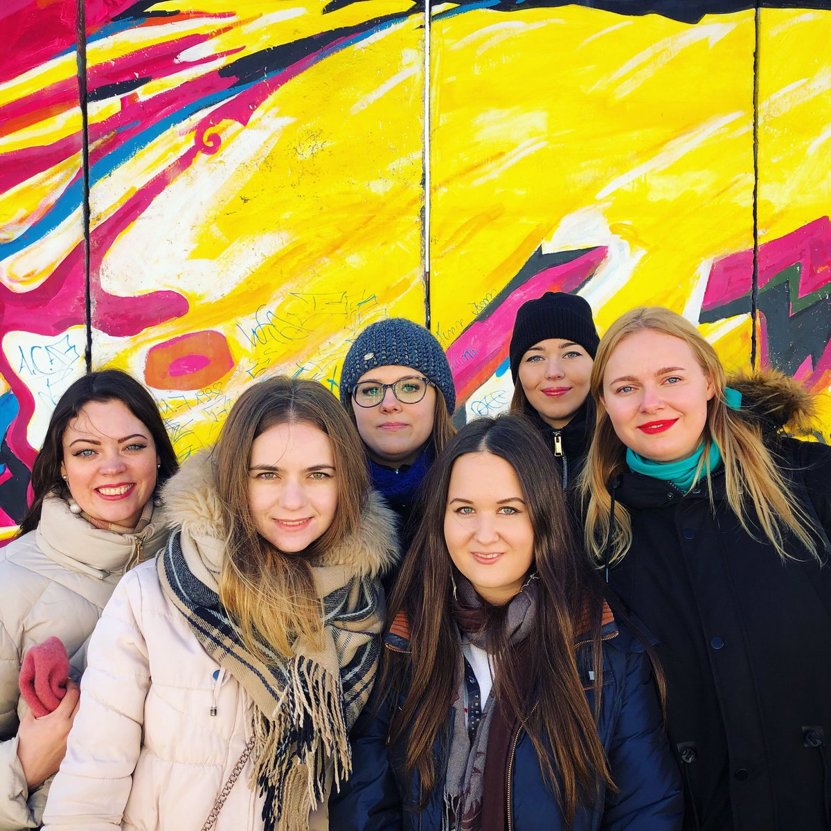 I had a wonderful time in #berlin last weekend! Thanks for your company #girls  We're a good #team #germany #deutschland #travelphotography #teamrussia #aliens #weekends #girlsquad #berlinmauer #berlinwall #berlinberlin #journey #travel #travelblog #berlincity #winterpic.twitter.com/ZNWmTQEJeI