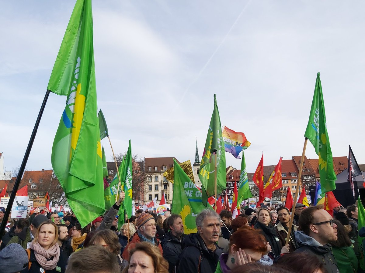 Joined a demo in #Erfurt with Party friends of @Die_Gruenen. #nichtmituns #unteilbar in solidarity of the movemt of democrats against #AfD xenophobia, islamophobia, antisemitism. Good to see 1000s  to combat neonazism in #Germany.important to join forces #noAfD @GoeringEckardt<br>http://pic.twitter.com/dPQ8s6aAhD
