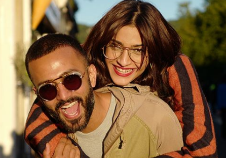 """#SonamKapoor : """"Friendship is the crux of everything. Being best friends with the person you're married to is the only way a relationship can last."""" #AnandAhuja #CelebRelationshipQuotes"""