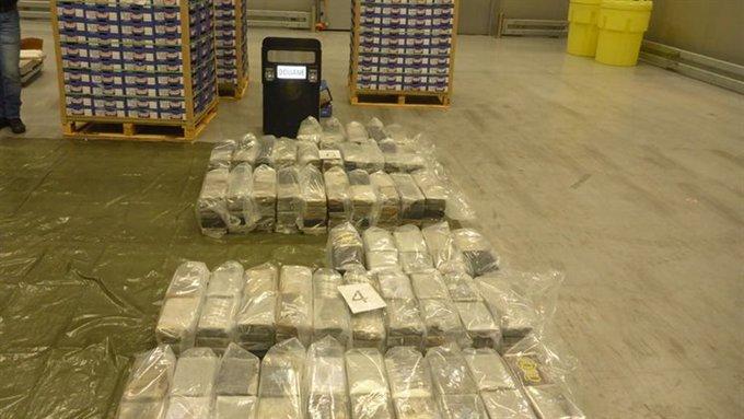 500 kilo cocaïne tussen mango 's https://t.co/jFA48w14hM https://t.co/KgQvhDg1J1