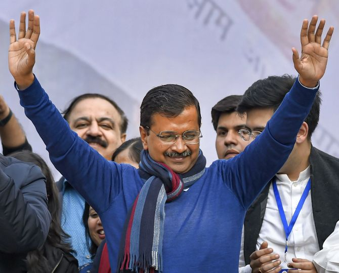Arvind Kejriwal will take oath as Delhi Chief Minister on Sunday. Read more at https://bit.ly/38vVPEe  #ArvindKejriwal #AAP #DelhiChiefMinister #aapwins #DelhiElections2020 #votevoicepic.twitter.com/67YODan8e0