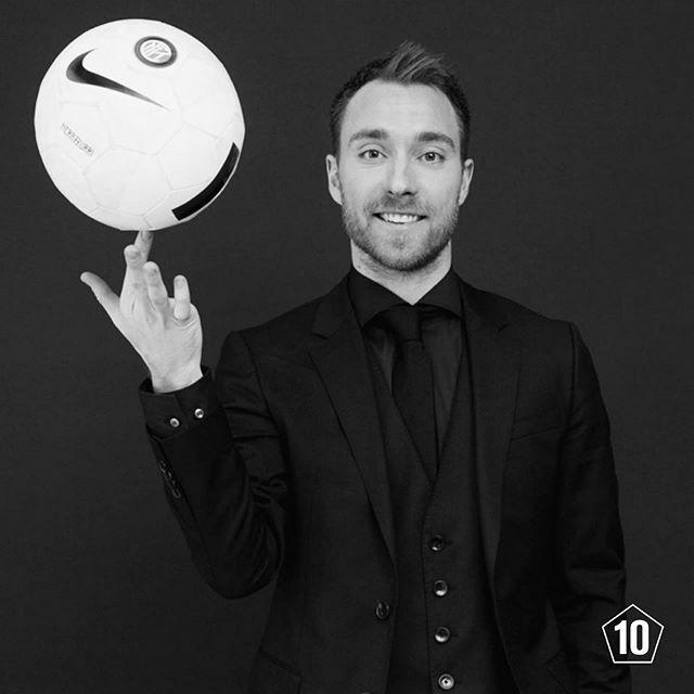 Football's gentlemen fashion brand - - - - #tenlegend #menfashion #poloralphlauren #pitti #pittiumo #bespoke #style #menstyle #menwithclass #classygentlemen #menswear #elegant #gentleman #gentlemen #dapper #eriksen  #intermilan #intermilano  #italianstyl… https://ift.tt/2wc2nJNpic.twitter.com/T3WEfAflvT