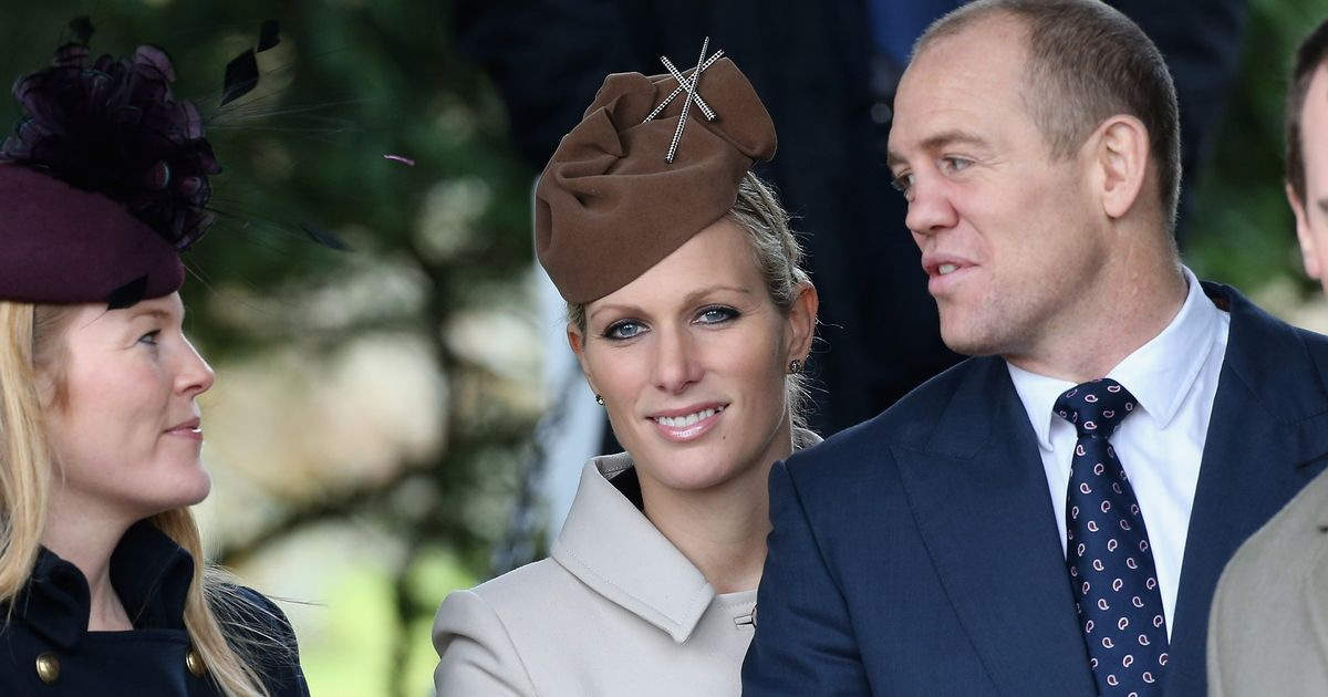 Zara Tindall persuaded sister-in-law Autumn Phillips to stay in Gloucestershire rather than head for Canada after marriage split The Queen's granddaughter reportedly acted like a marriage mediator after her brother and his wife split up http://twib.in/l/59X5ERzadB9G pic.twitter.com/Yfo0lO0buE