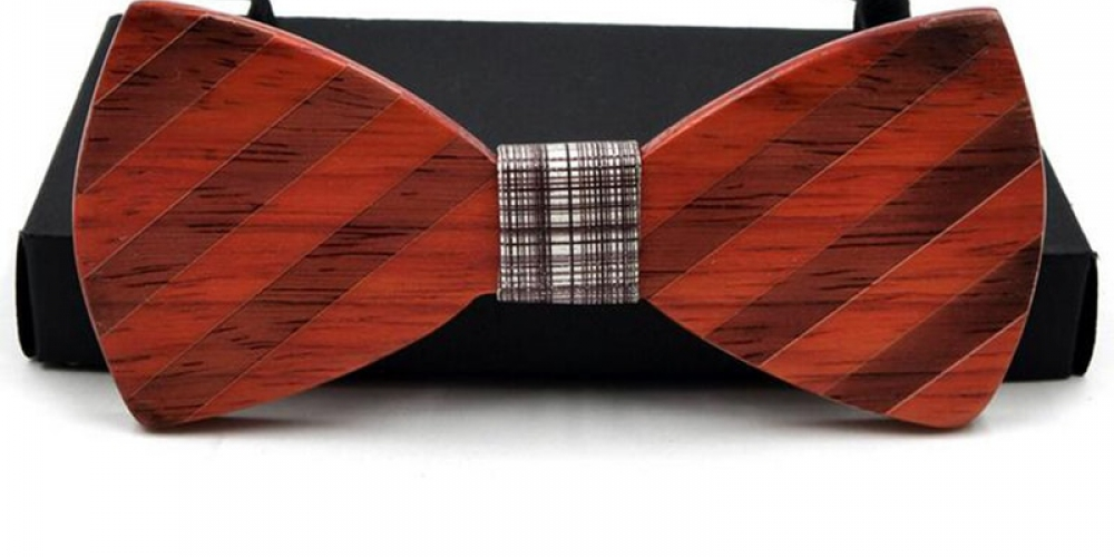 Fashionable Handmade Wooden Bowtie  $19.95 and FREE Shipping Tag a friend who would love this! #menwithclass #suit #menfashion #menpic.twitter.com/jypFewLOzy
