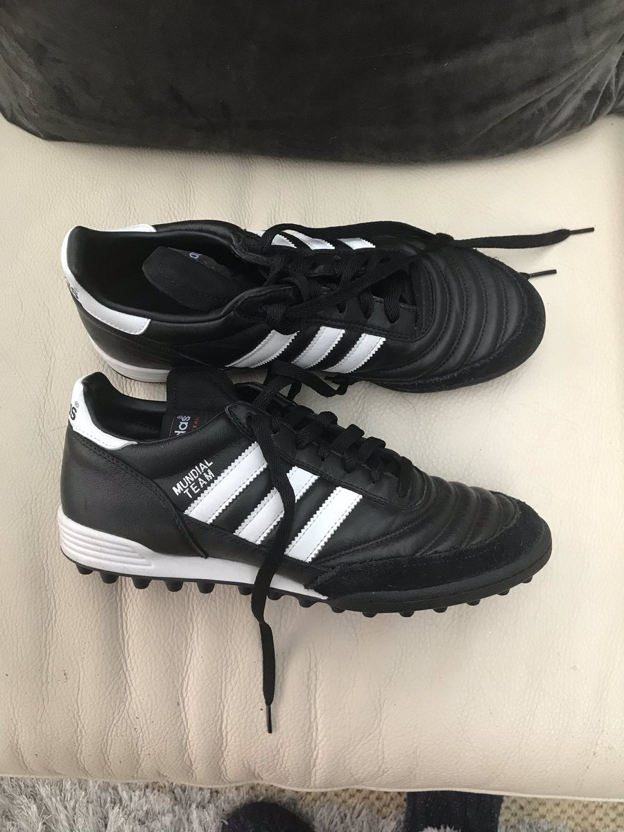 #adidasmundial #leather brand new #trainers size 8 live on eBay £25 RRP £ 85 #sports #trainers #fashion #sportsfashion #fashionstyle #leathertrainerspic.twitter.com/tJPi96l6mV