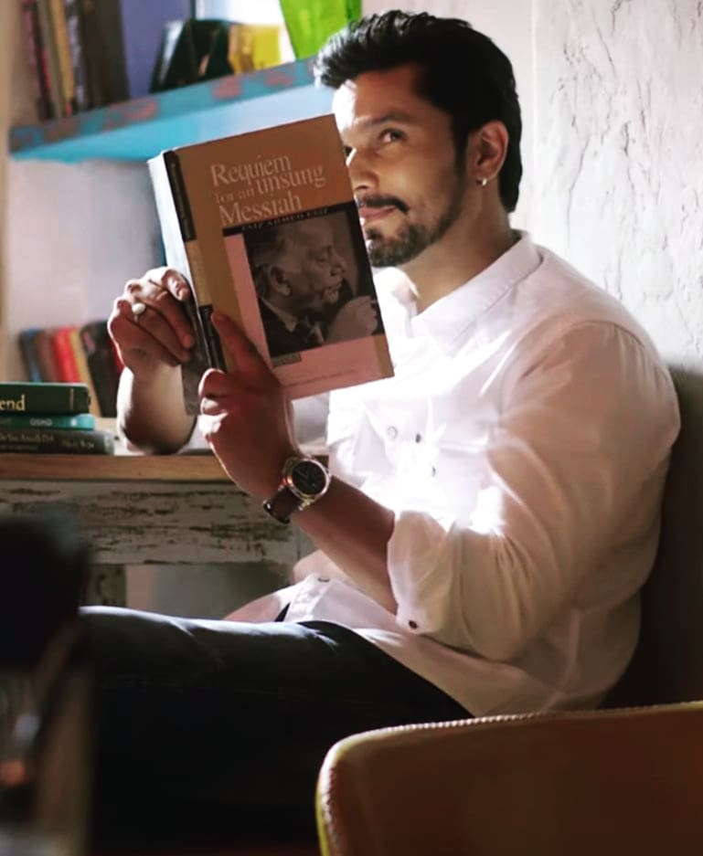 "Randeep Hooda on Twitter: ""Reading all your feelings .. thank you for the  love 🙏🏽 😘🤗 #LoveAajKal #Raj… """