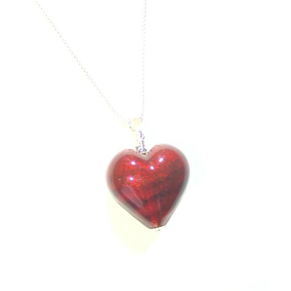 Need a gift?  This #Murano heart pendant is the perfect gift idea!   #handmadejewelry #jewelry #style #jewels #jewelryshop #style #giftsforher #heart #venetian #instalove #fashionista #glass #Pendant  #selfemployed #fashionjewelry #handmadejewelrysale