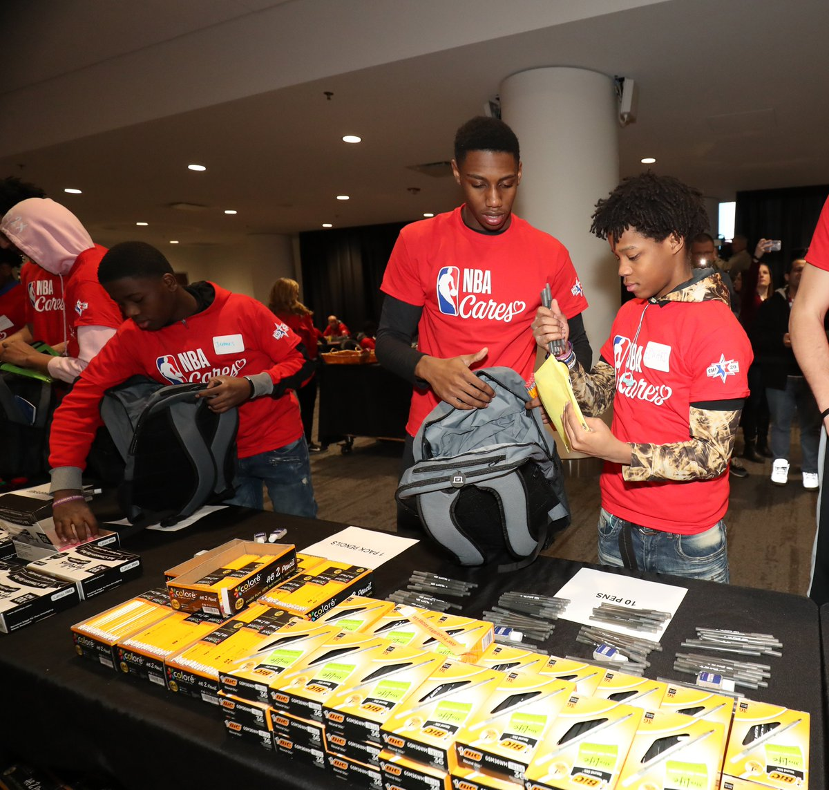 Yesterday during Day of Service with @nbacares, RJ helped pack school success kits that will benefit local teachers and students in the Chicago community.  #NBACaresAS20 | #NBAAllStar