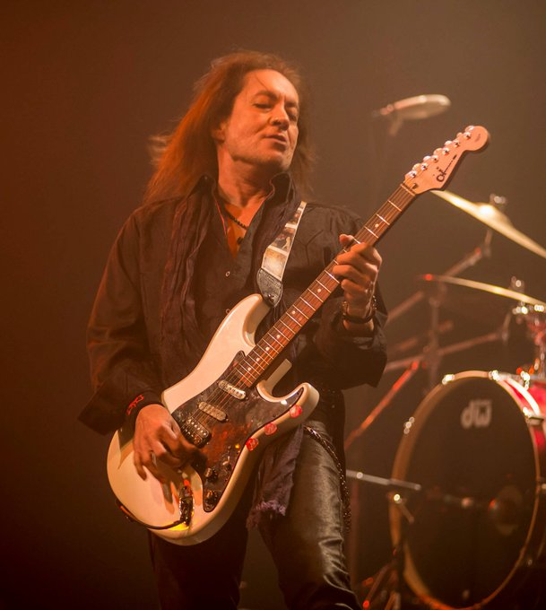 Please join us here at UndercoverIndie in wishing Jake E Lee a very Happy Birthday today.