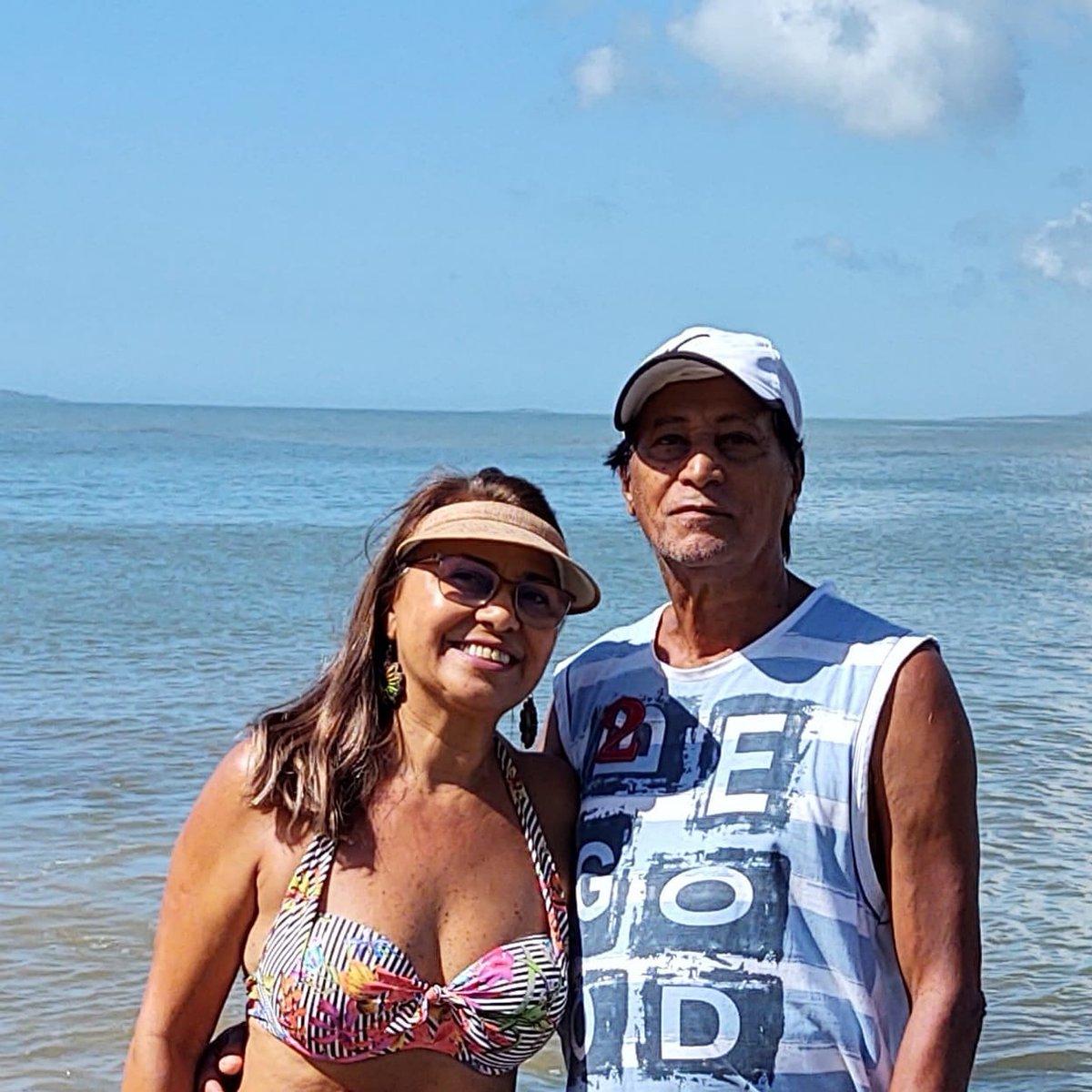 https://www.instagram.com/p/B8l_UotBr27/?igshid=1g8pdhje6cuer  … Meu amado pai! Valdir Vitorino Grande Mestre Firme nas Colunas! Com a minha irmã Lusenir Gomes Guarapari ES Brazil