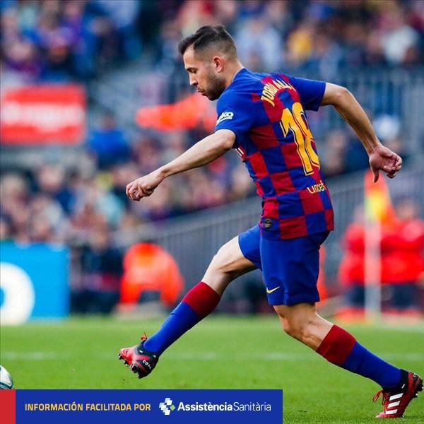 [KOMUNIKASI MEDIS ]  @JordiAlba mendapat cedera di paha bagian atas kaki kanannya. Akan dilakukan tes lebih  detis untuk mengetahui cedera pastinya.  #BarçaGetafe