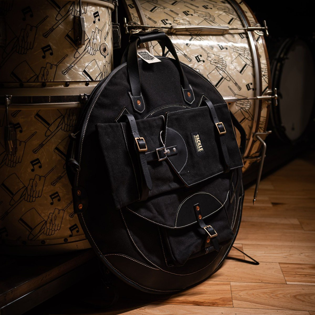 """Tackle products are hand made, high quality, and immensely stylish. Upgrade your life! http://bit.ly/376AJe0 #cde #chicagodrumexchange #chicagomusicexchange #drumlove #drumsdaily #tackle #22"""" #backpack #cymbalbag #black #snaredrumfreakzpic.twitter.com/0ZqvUm88LK"""