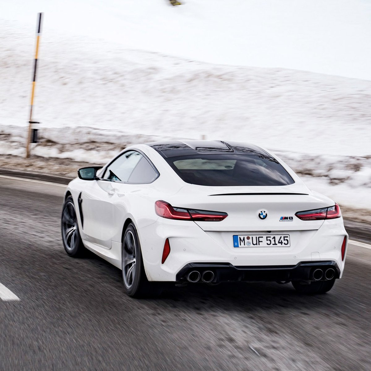 Górskie serpentyny. #TheM8 w swoim naturalnym środowisku. #BMW #M8 Competition Coupé. 625 KM, 750 Nm, 0-100 km/h: 3,2 sek. Prędkość maksymalna (z opcjonalnym M Drivers Package): 305 km/h.