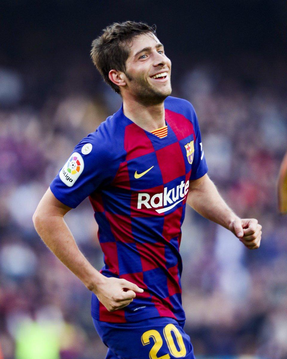 ⚽ Gol pertama untuk musim ini 👌 👏 @SergiRoberto10 😁