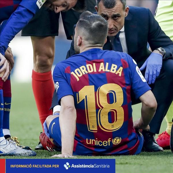 [負傷ニュース] トップチームの選手、@JordiAlba は、右足内転筋を負傷していることが確認された。復帰の時期は、回復状況で決まることになる。 #BarçaGetafe