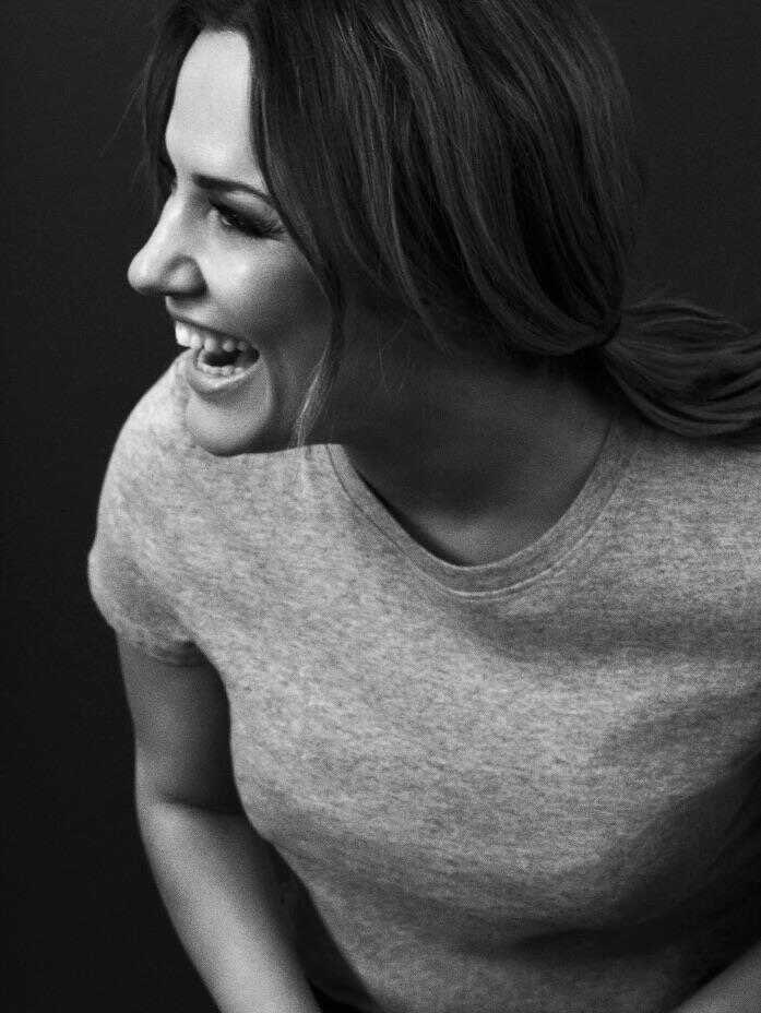 No one should ever be made to feel like there is no way out, or to be made to feel so alone.. absolutely heartbreaking. Rest in peace Caroline 💔 #carolineflack https://t.co/BLKe34YTzo