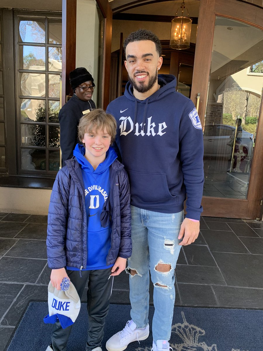 Thank you, Tyus @1Tyus for taking a minute to say hi to my son. Go Duke!  @dukebasketball @memgrizz #Duke #dukebasketball