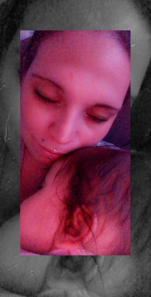 Einfach nach dem Baden bei Mama eingeschlafen #momylove #erkältet #mamaliebe #krankenlager #ichliebemeinekinder #8monate #Baby #kind # Mutterliebe #meinengel #meinbaby #babymaus #babygirlpic.twitter.com/faOK3S0diP