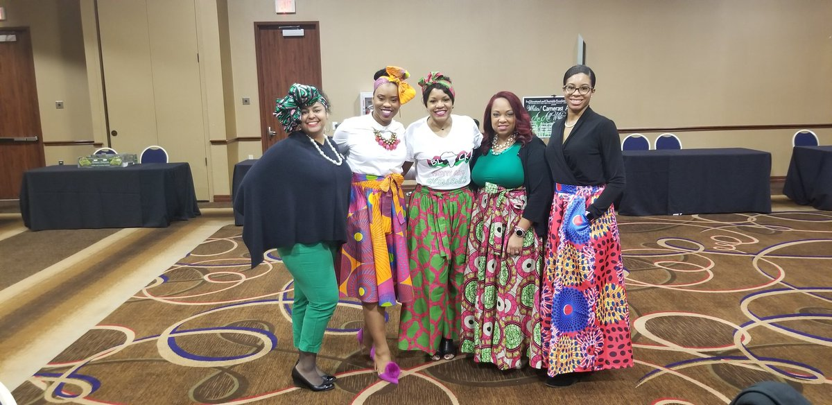 Members displayed their African pride in tribal attire at meeting today. Beautiful colors of royalty filled the room. It was a beautiful scene. #AKA1908 #SensationalSouthCentral #AKOmega #AKOmega1928 #ServiceandSisterhood #BlackQueens #BlackHistoryMonthpic.twitter.com/rz8Os5qEnN