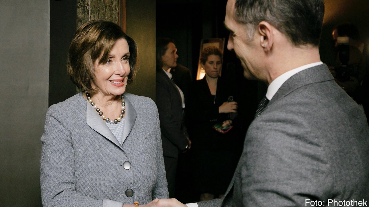 Ich habe mich besonders gefreut @SpeakerPelosi in München zu begrüßen. Ihre Anwesenheit ist ein deutliches Zeichen für das anhaltende Interesse an starken transatlantischen Beziehungen, das es auf beiden Seiten des Atlantiks jenseits aller Umbrüche und Irritationen gibt. #MSC2020