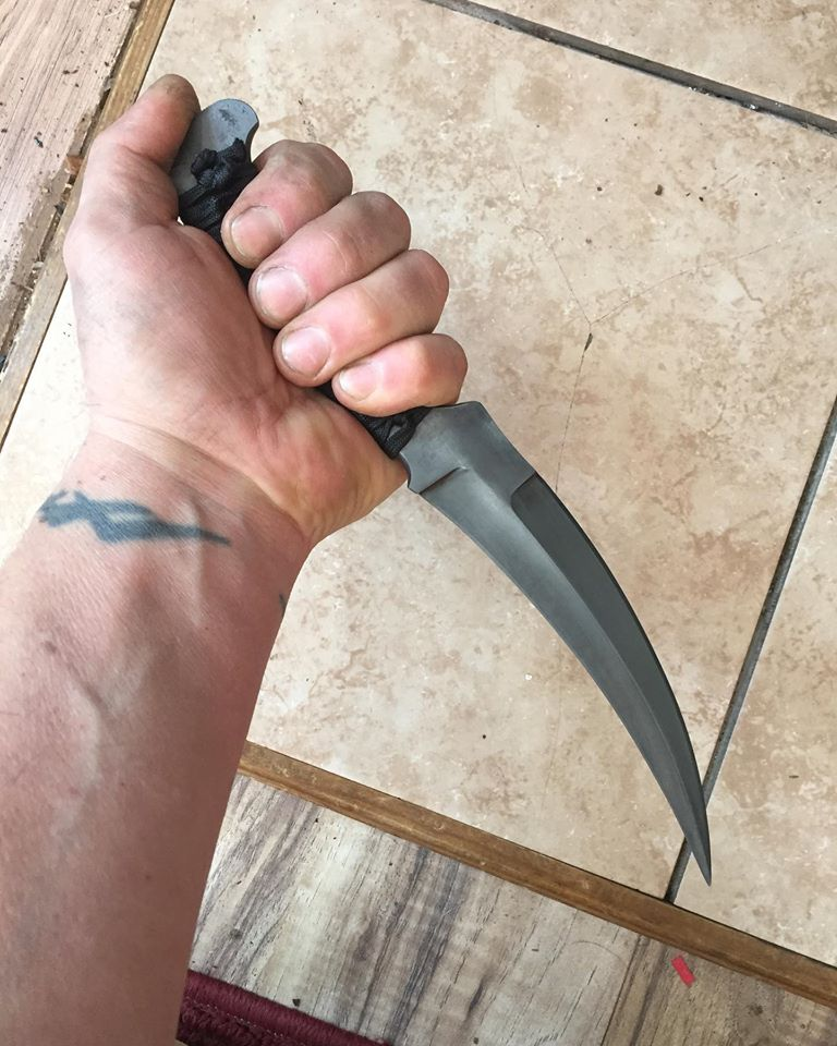 J W Bensinger Bladesmith Custom Knives 80CrV2 and stabilized battlewrap,  p'kal format dagger with roots in the Moroccan style jambiya. pic.twitter.com/voNj5LMJ5H