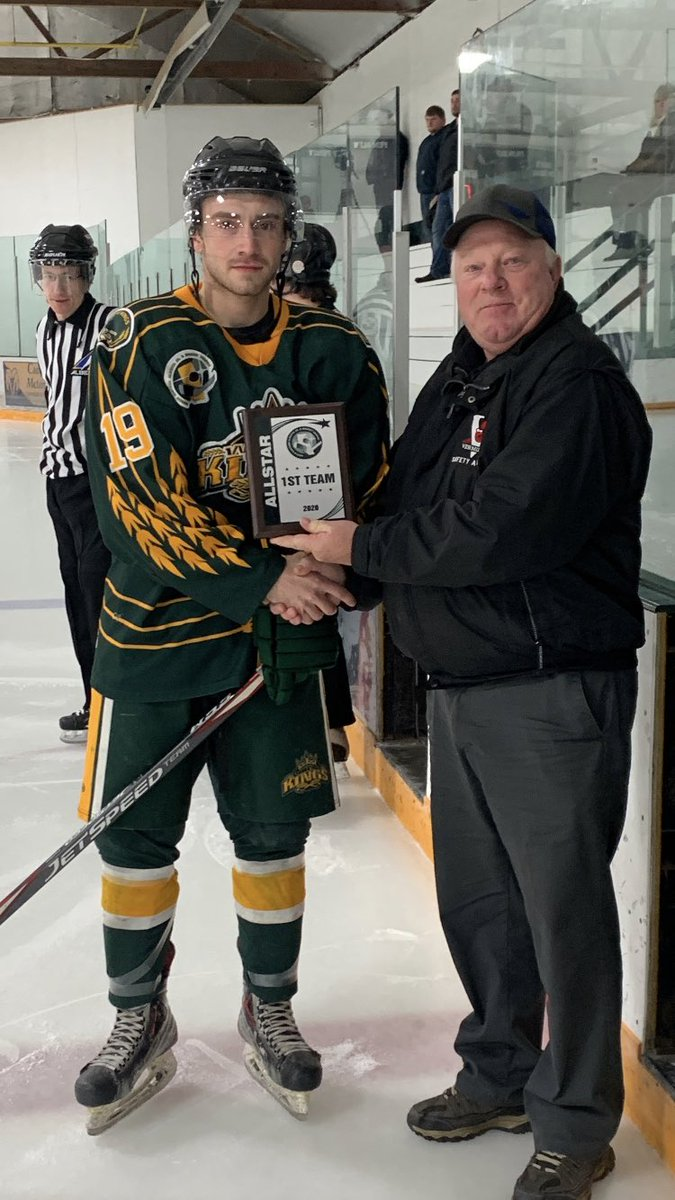 Wheaties win league awards!! Congrats to #19 Tanner Eno on being voted 1st team allstar and #20 Kobe Charchun on recieving league Rookie of the Year and 2nd team allstar. Neajbhl president Keith Wilkinson on hand to present the awards. #kwk #awards pic.twitter.com/taoDzAKm44