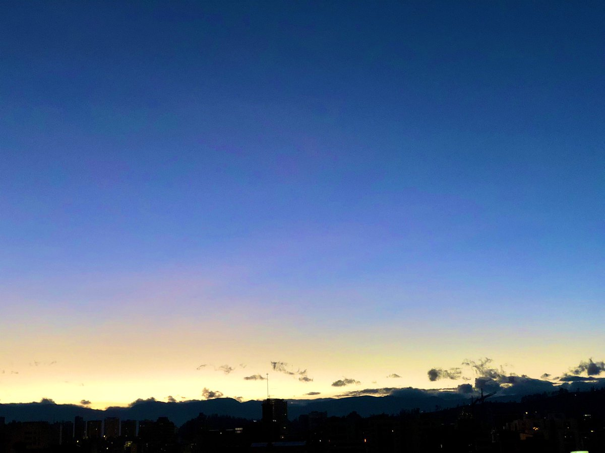 My view. 5:59 am. pic.twitter.com/O1BQPfKQ6U
