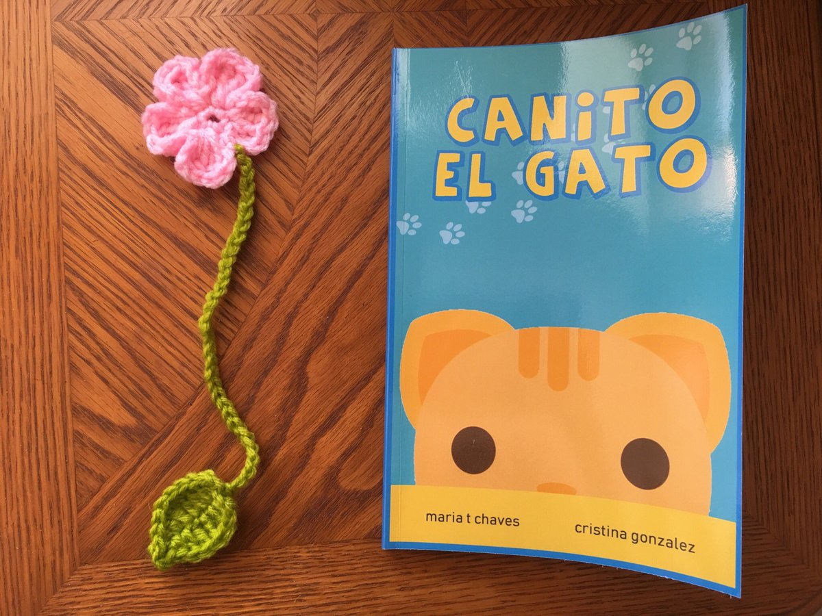 Flower bookmark 🌸📚💖   Canito el Gato book:  and  (@libros787)  #flower #bookmark #handmade #crochet #etsy #etsyshop #booklover #perfectgift #naturelover #reading #cats #SaturdayMotivation