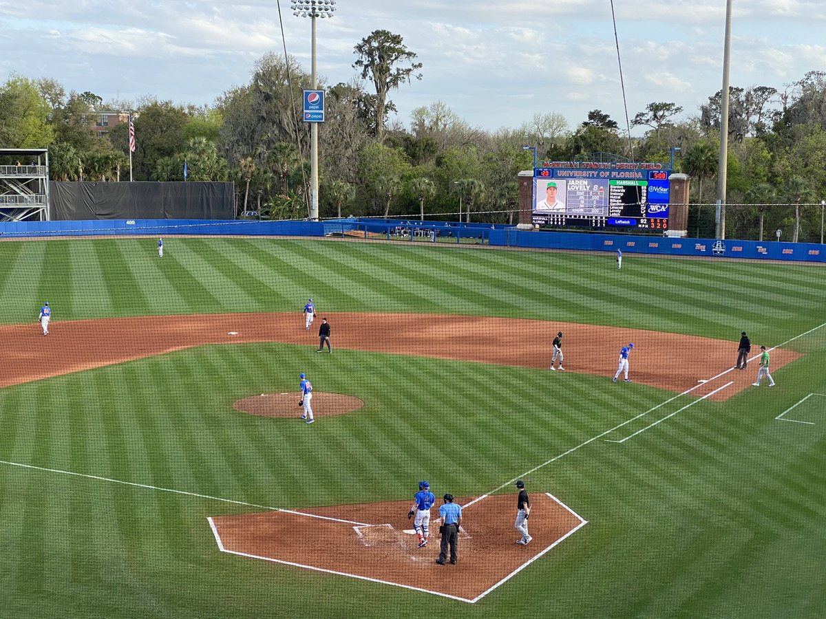 Quick Saturday afternoon stop to see @GatorsBB on Day 2 of college baseball season!