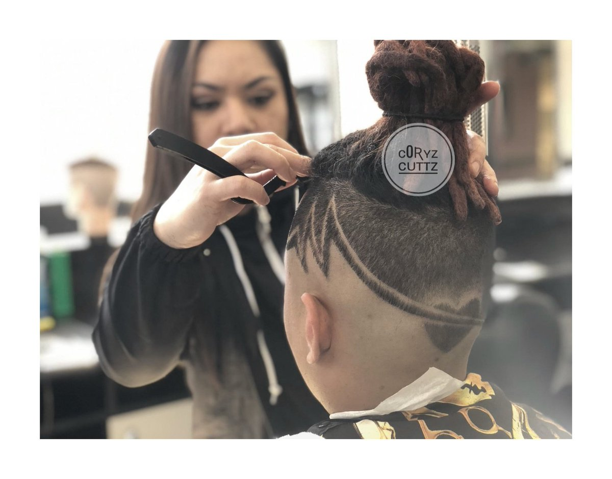 Doin what I #c0ryzcuttz #femalebarber #ladybarber #barber #fade #design #hairtattoo #hairdesign #freestyle #barberlife #barberlove #hairstyles #Haircut #dreadlocks #dreads #razor #barbergrind #barberhustle #menshaircut #hairstyles #valentines #heart #loveisintheair #hairstylespic.twitter.com/mXbE2e2hDH