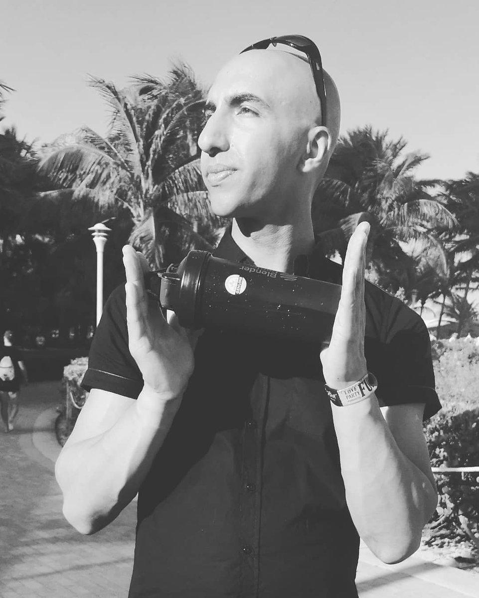 #coffee #stayfit#beatstress #calmness #peace  #sunrise #travelphotography #exercise #usa #shades  #travelphotography  #energy #beachvolleyball #vitamind #summerinwinter#goodhealth #peaprotein #hempprotein #shake #proteinshaker #neverquitmentality #neverquit #philosophypic.twitter.com/b70f5jgUUz