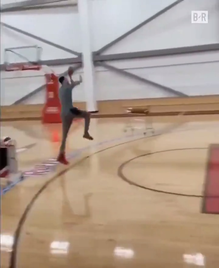 Replying to @BleacherReport: How Zach LaVine practiced for the 3-point contest ✈️