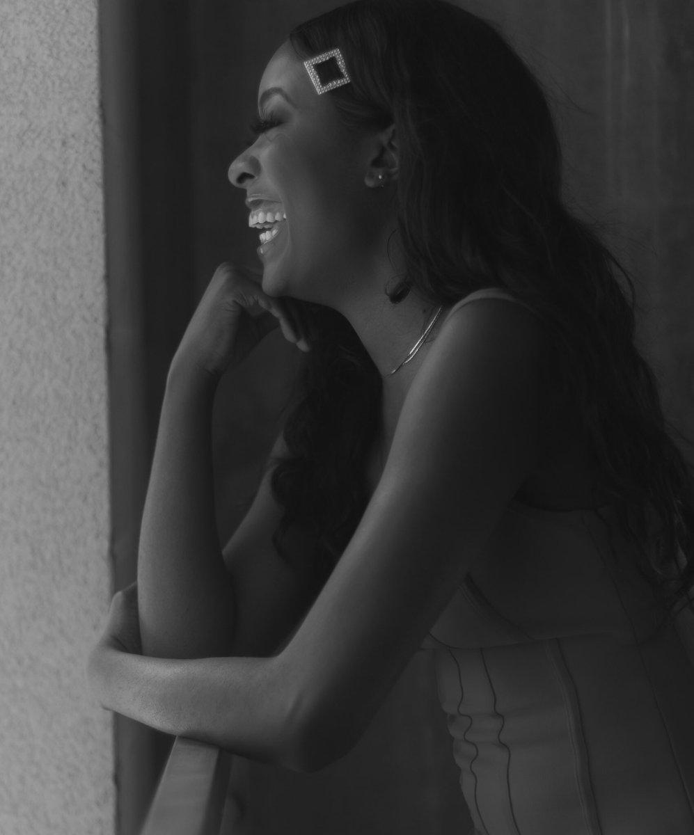 A genuine smile is art in its purest form.  • • • • #blackwoman #blackman #blackwomen #blackqueen #africanwoman #blackgirl #darkskinned #blackqueens #blackgirls #africanamerican #blackhistory #darkskingirls #blackpower #reddress #fashion #beauty #blackandwhitephotographypic.twitter.com/qBxK6NEtp4