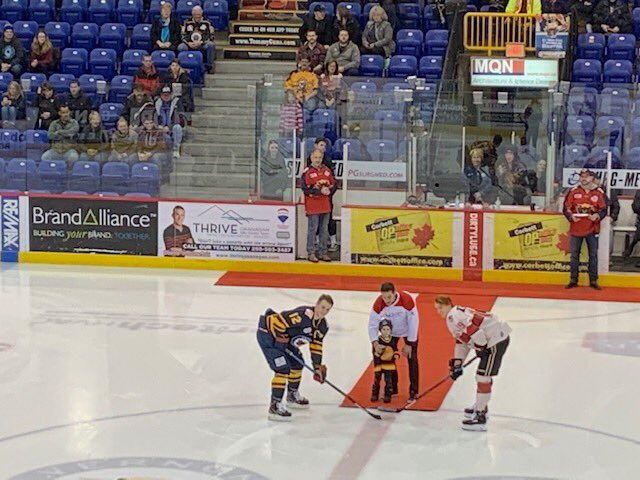 Big night for #HGB Director Aaron Volpatti as he is acknowledged by his former team the @VernonVipers . Aaron received blood after suffering burns to over 40% of his body. Thanks #Vipers! @GoBCHL @CanadasLifeline *Alongside Aaron is his son Finn.❤️ https://t.co/eQdetRFjJv