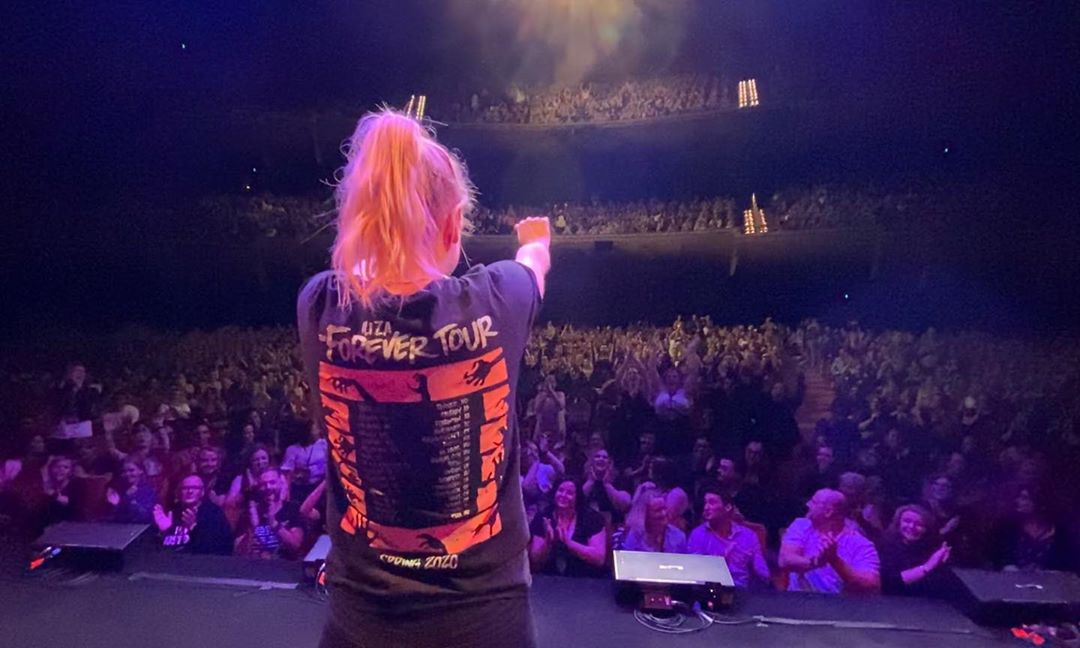 Congratulations @iliza on such an incredible tour which wrapped up last night in Melbourne! Amazing shows across 3 cities and many great memories formed at the meet & greets. We can't wait to have you back again soon! https://t.co/4m2Z7vyJ7W