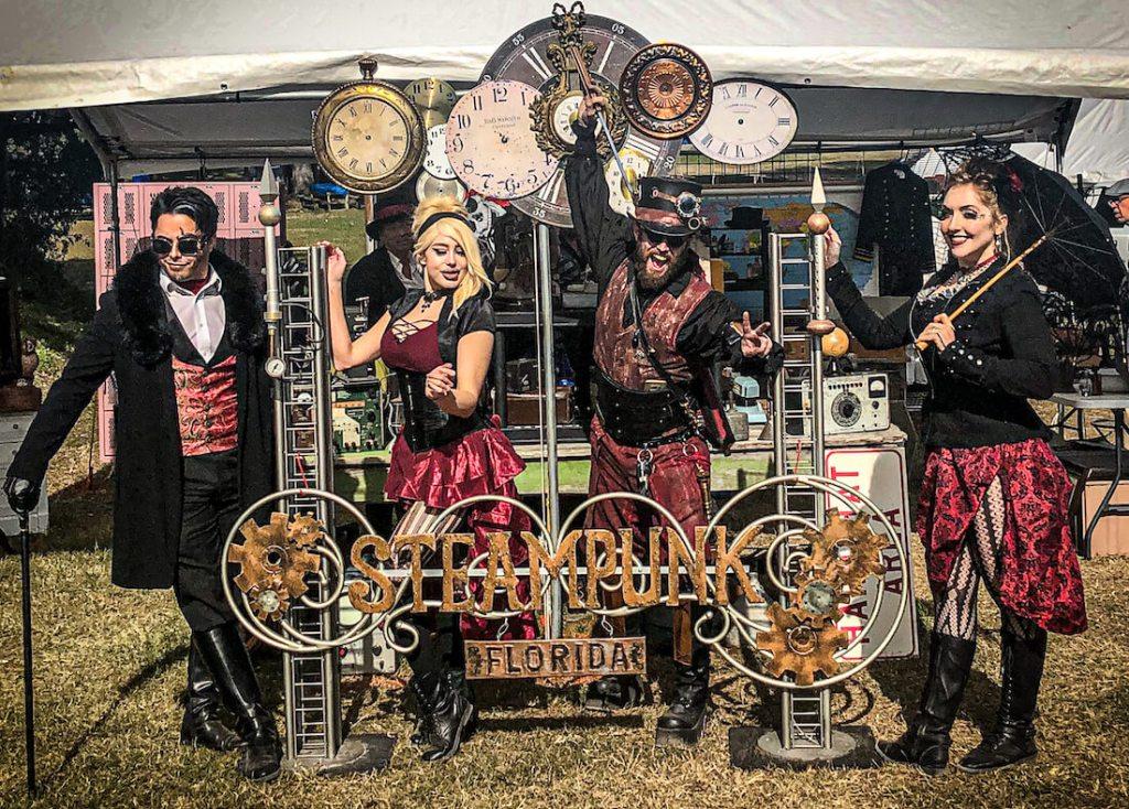 #Event Awesome of the Day: Renninger's Flea Market and #Steampunk ⚙️ #Festival & #Cosplay 🎩 in #MountDora #Florida #USA 🇺🇸 via @BGaybourhood #SamaEvent 📅 #SamaCosplay