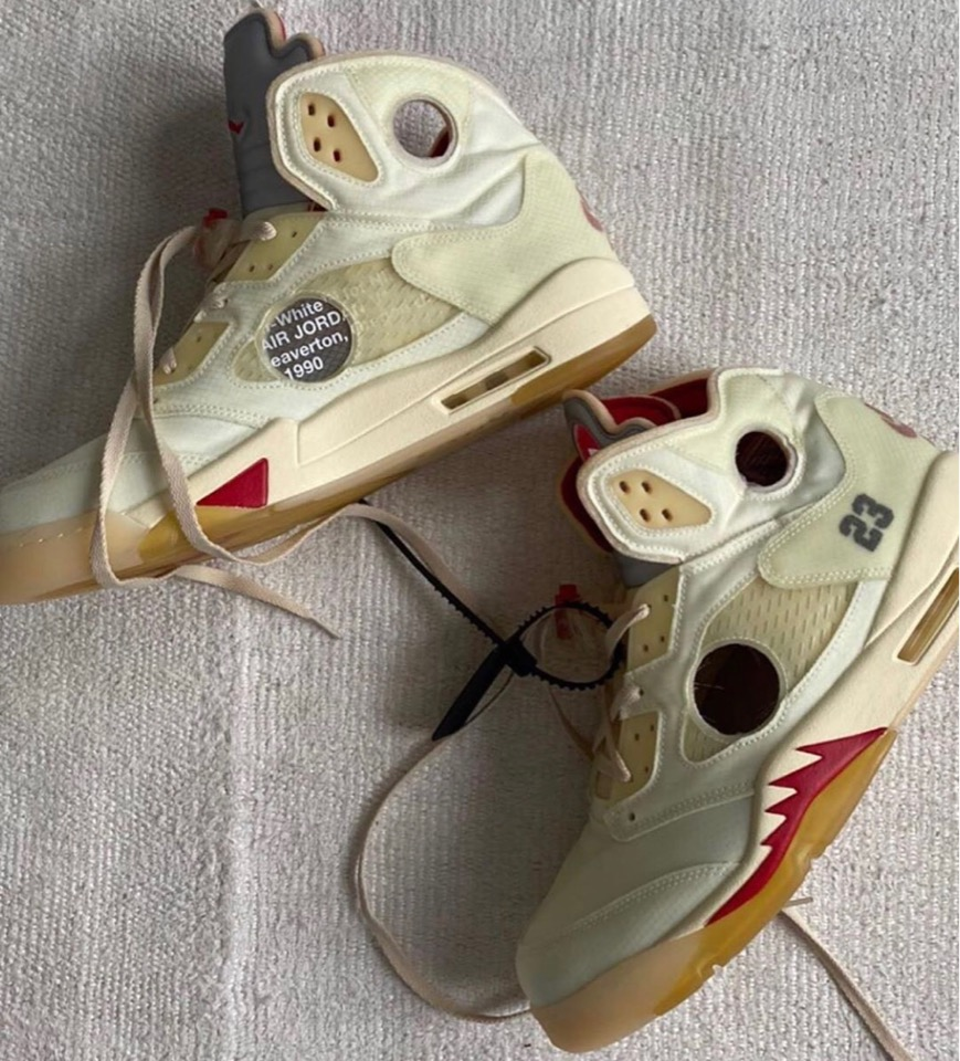 "Off-White™ x Nike Air Jordan 5 Retro ""Cream"" nhá hàng"