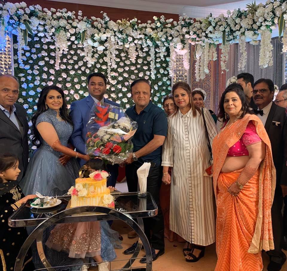 Hearty congratulations to the newly wedded couple attended reception at Madhu Poplai known activist social worker & #environmentalist of #Bandrapic.twitter.com/dVMu9TjpwA